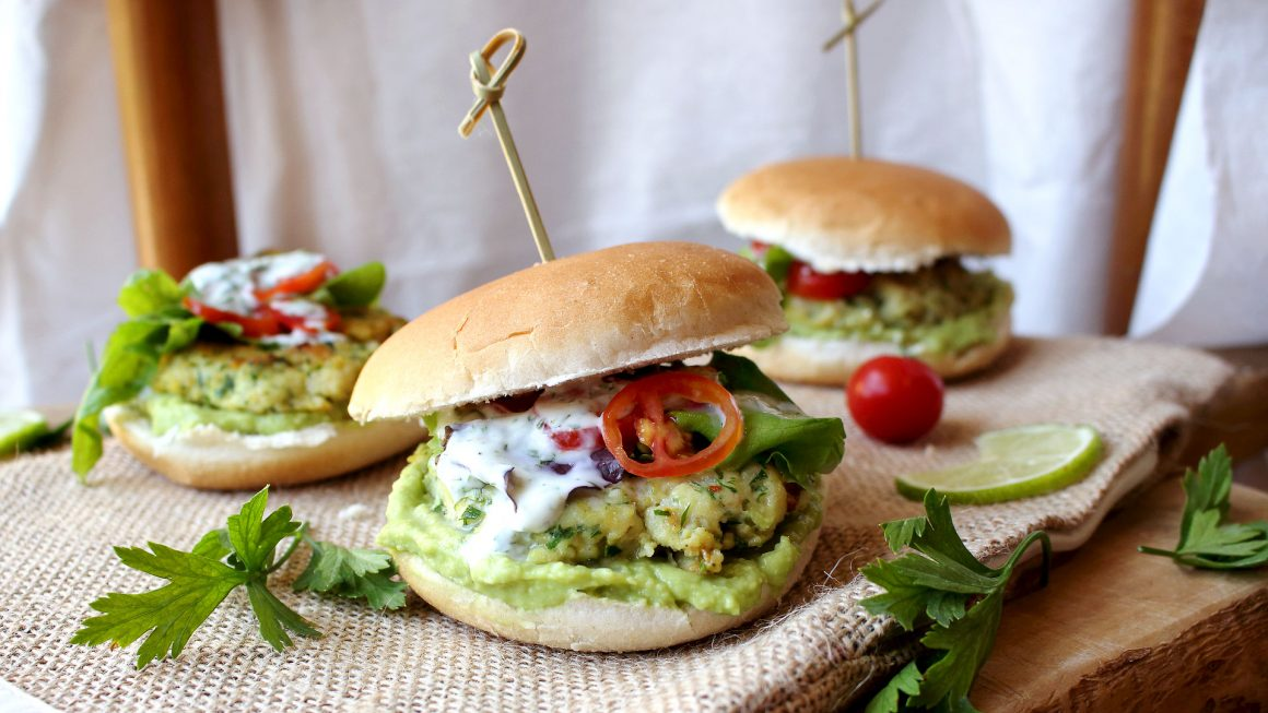 fishburger con salsa allo yogurt
